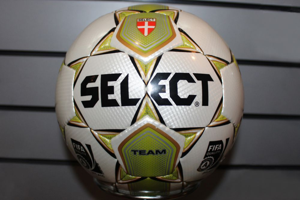 Купить футбольный мяч select